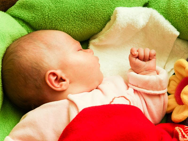 hvor mye sover baby